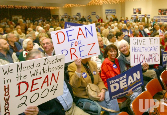 HOWARD DEAN CAMPAIGNS IN ARIZONA