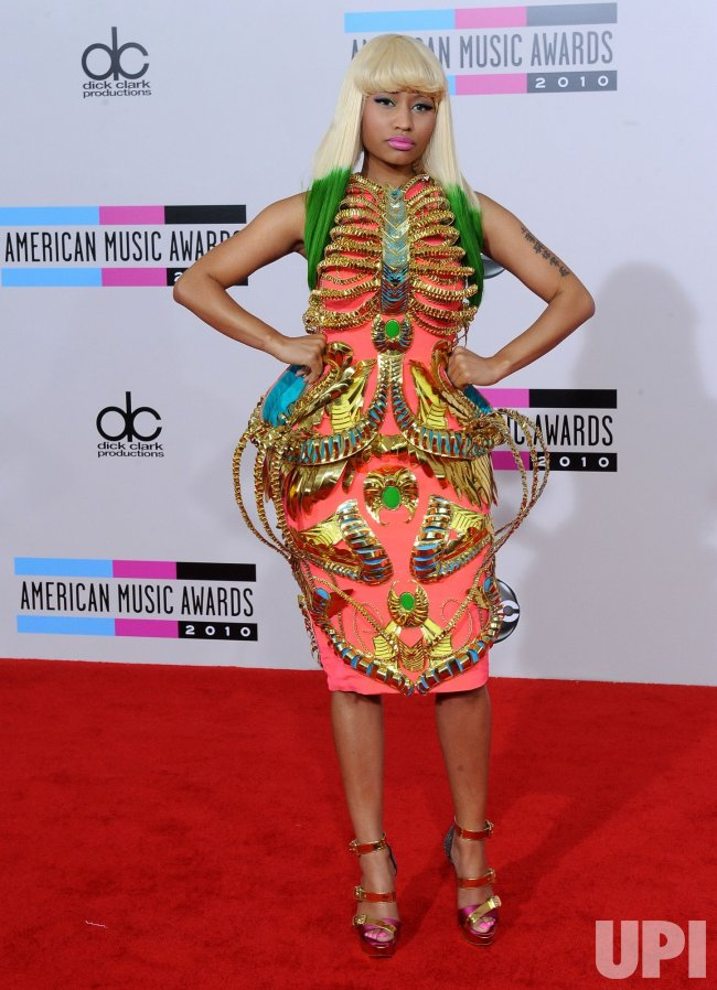 Nicki Minaj arrives at the 2010 American Music Awards in Los Angeles
