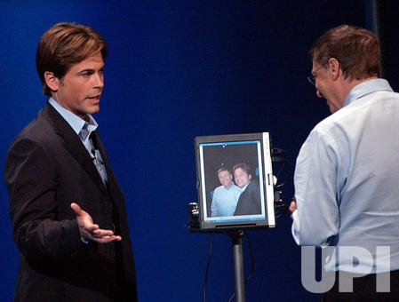 Rob Lowe helps Bill Gates unveil Microsoft's new Tablet PC