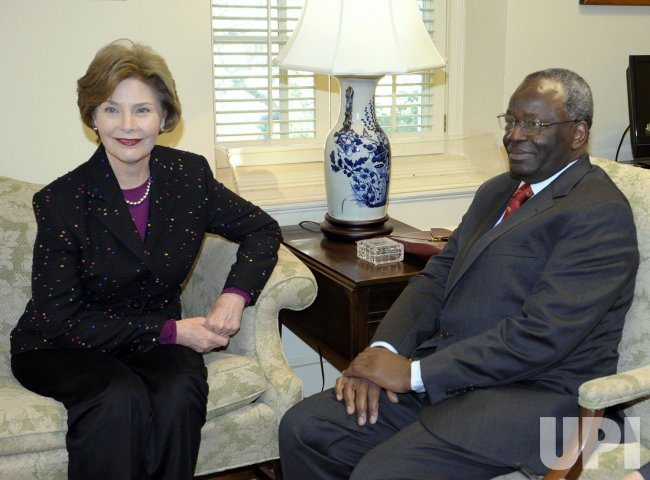 First Lady meets with UN Advisor on Burma at White House