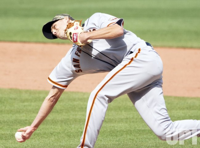 Giants Tyler Rogers Throws in Ninth in Pittsburgh