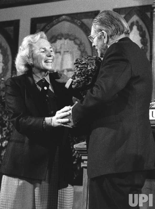 Ethel Kennedy hands out Robert F. Kennedy Human Rights Award to Rev. C. F. Beyers Naude