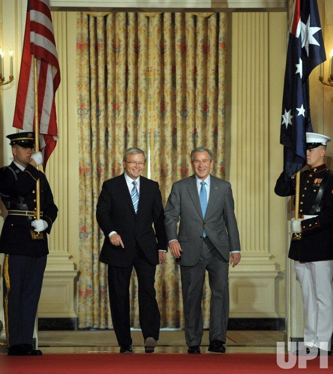 Bush meets with Australia's Rudd at White House