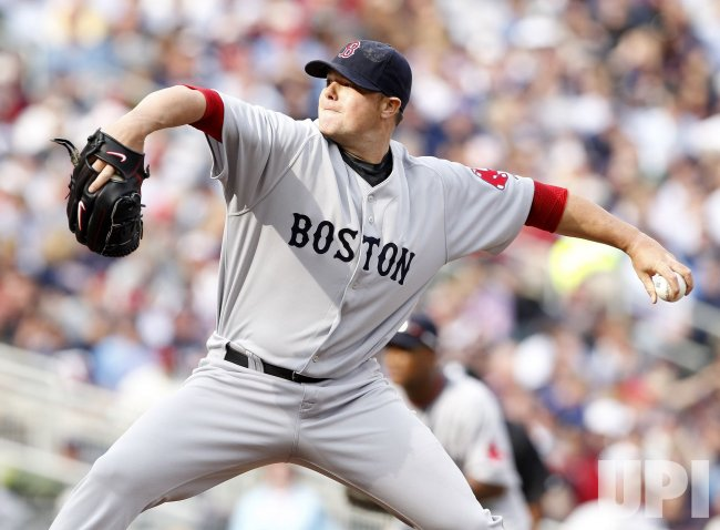 Red Sox's Lester delivers against Twins in Minneapolis