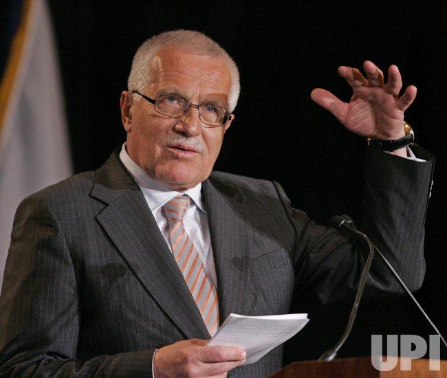 CZECH REPUBLIC PRESIDENT VACLAV KLAUSE VISITS CHICAGO