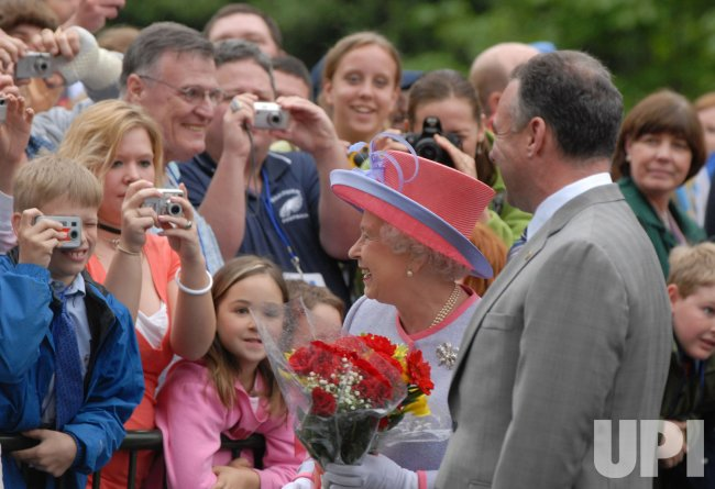 BRITAIN'S QUEEN ELIZABETH II VISITS VIRGINIA STATE CAPITOL IN RICHMOND