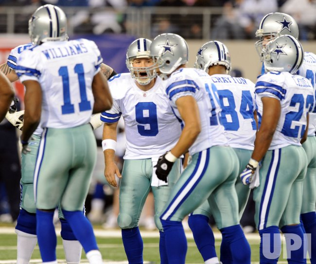 Dallas Cowboys Tony Romo against the Eagles