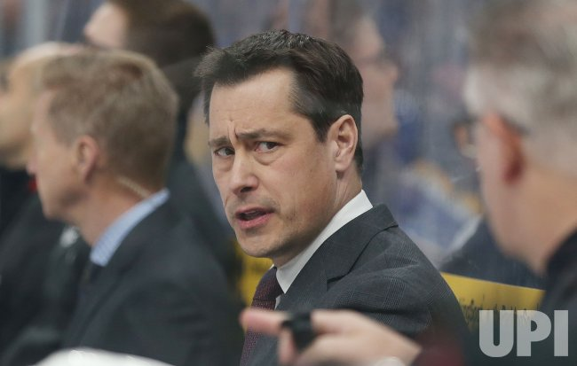 Ottawa Senators head coach Guy Boucher