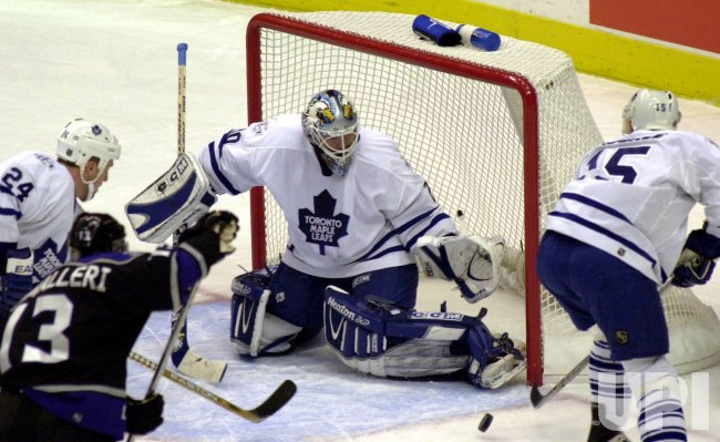 Toronto Maple Leafs vs Los Angeles Kings NHL game