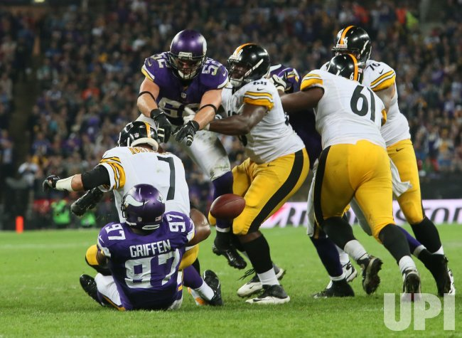 Steelers Ben Roethlisberger is sacked by Viking's Everson Griffen.