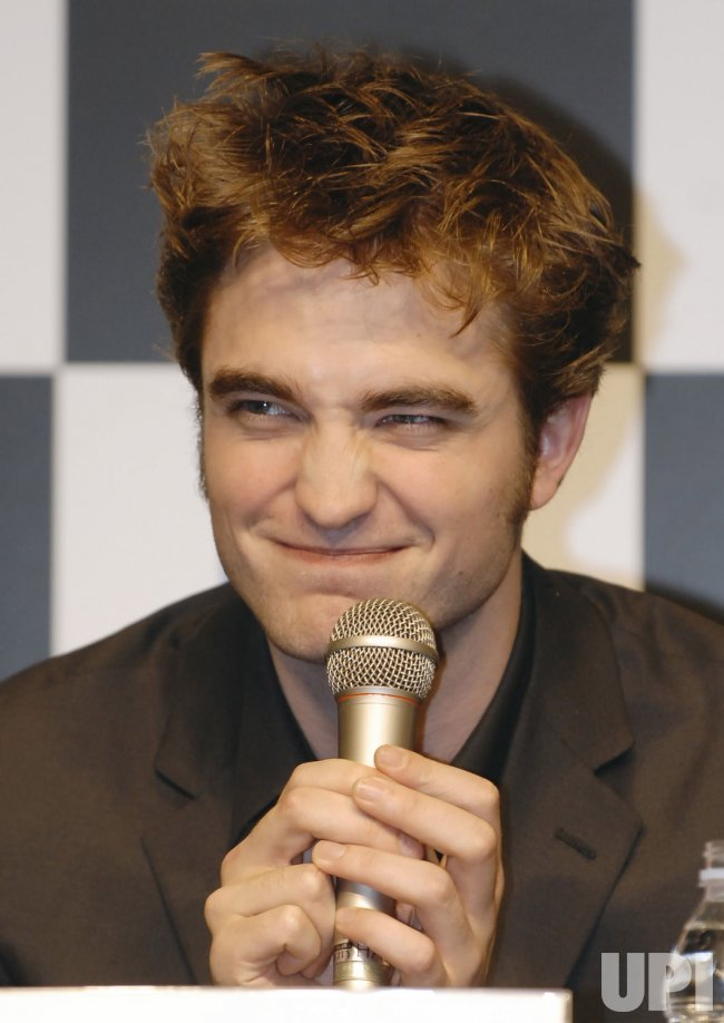 """The Twilight Saga: New Moon"" promote in Japan"