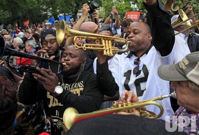 Former New Orleans Saints Will Smith secondline parade