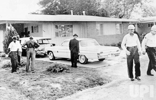 Murder of Medgar Evers at his home in Jackson, Mississippi
