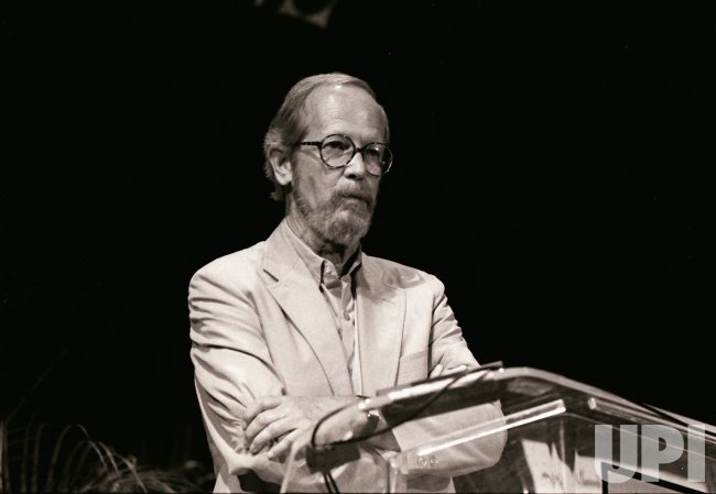 Author Elmore Leonard dies