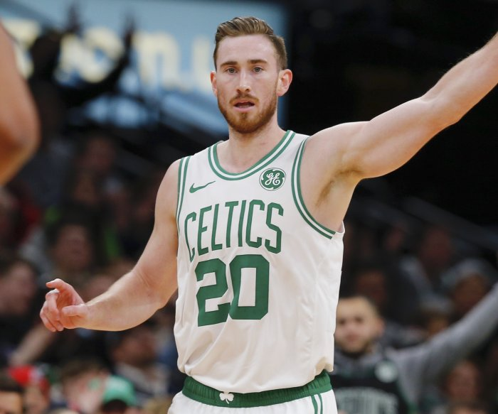Celtics sweep Pacers behind Hayward's 20 points