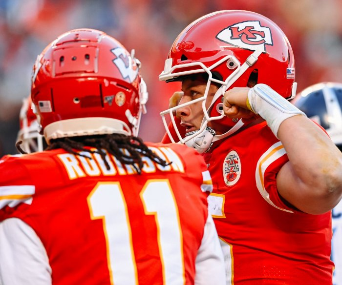 Chiefs beat Titans to reach first Super Bowl in 50 years