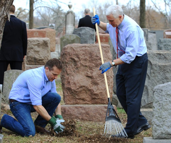 Pence visits vandalized cemetery, condemns anti-Semitic acts