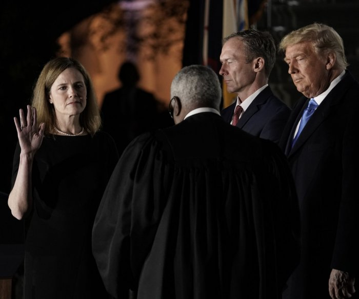 Judge Amy Coney Barrett sworn in to U.S. Supreme Court