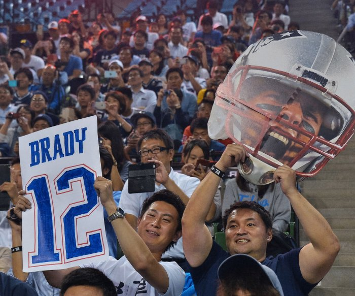 Tom Brady hosts football clinic in Japan