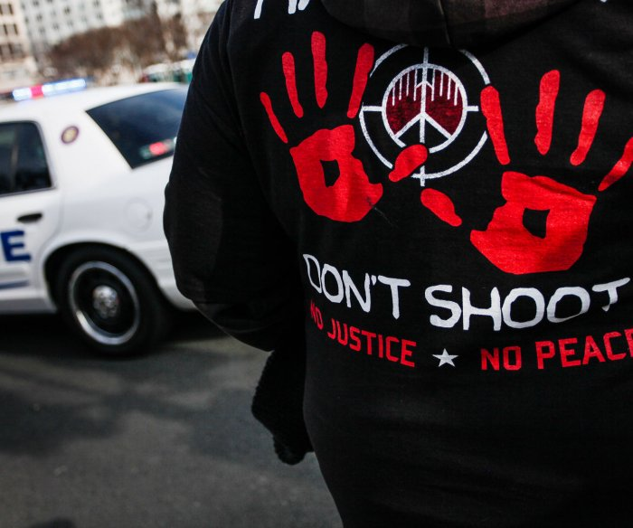 Justice Dept. declines to charge NYPD officer in Eric Garner's death