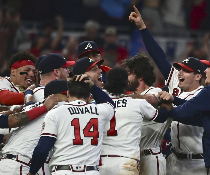 Braves beat Dodgers in Game 6 of NLCS, advance to World Series