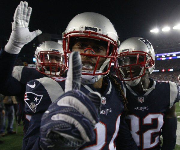 New England Patriots open as early Super Bowl favorites over Philadelphia Eagles