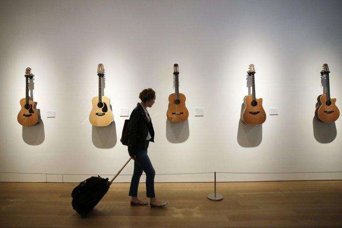Preview: The David Gilmour Guitar Collection