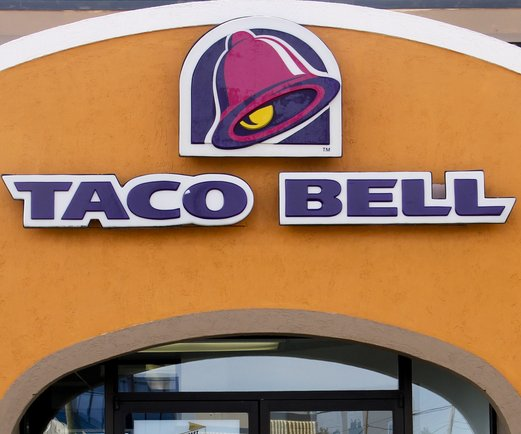 Taco Bell, other U.S. chains giving food, discounts during crisis