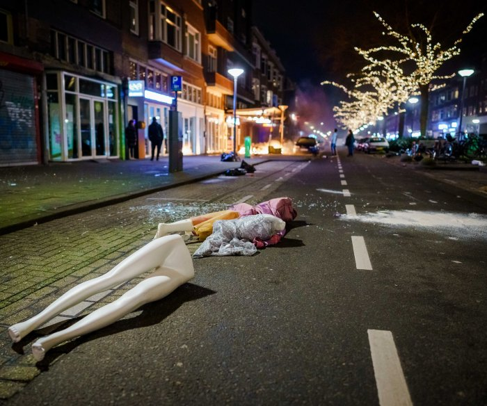 200 held in Netherlands after 3rd night of COVID-19 unrest