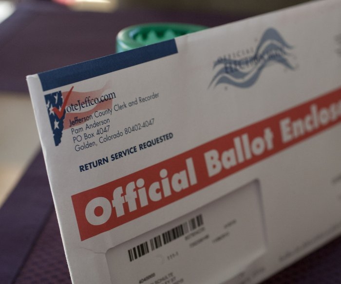 Supreme Court allows Pennsylvania, North Carolina to accept mail ballots after Nov. 3