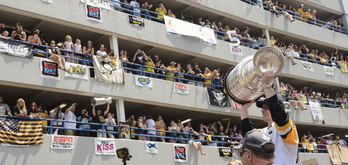 Pittsburgh Penguins host parade after winning NHL's Stanley Cup