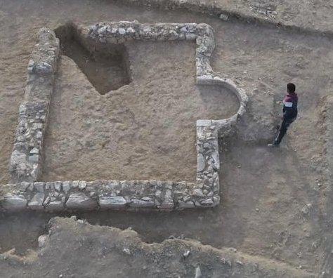 Scientists find 1,200-year-old mosque in Israel Negev Desert