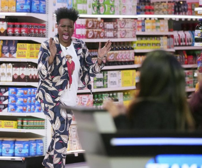 Leslie Jones explains updates in new 'Supermarket Sweep'