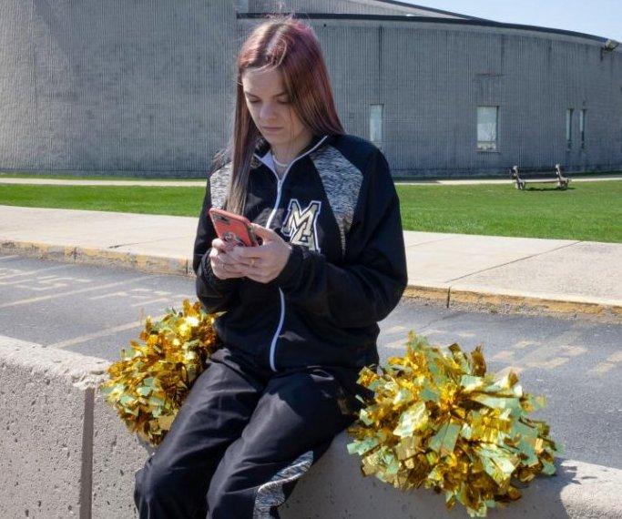 Supreme Court: School wrong to suspend cheerleader over obscene post