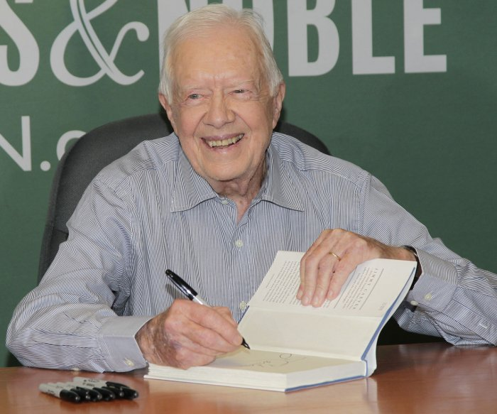 Jimmy Carter signs copies of his book 'A Full Life'