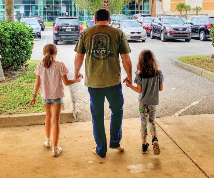 Ryan Newman leaves hospital after fiery Daytona 500 wreck