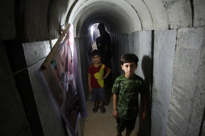 Summer camp lets Palestinians tour tunnels used for military training
