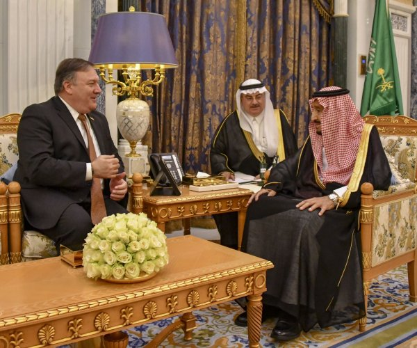 Pompeo meets with Saudi king, prince over reporter's disappearance