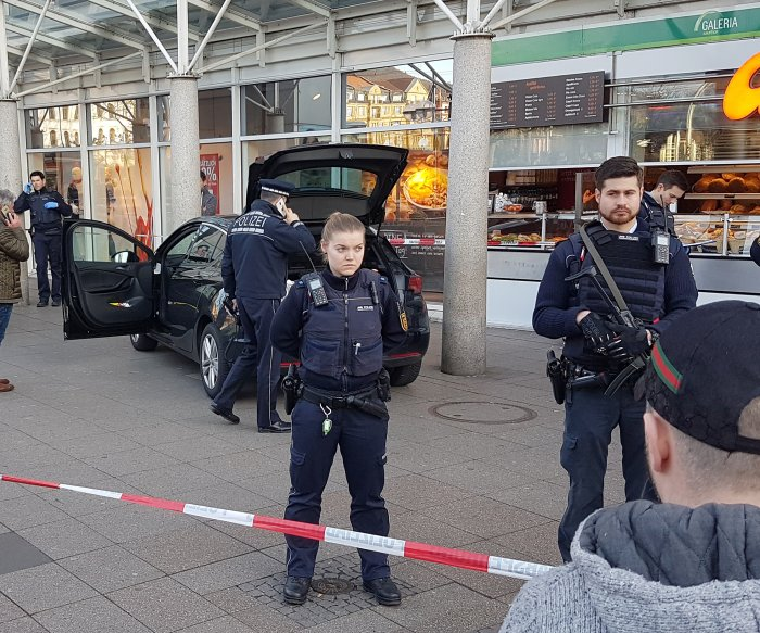 Driver rams car into German pedestrians, killing one man
