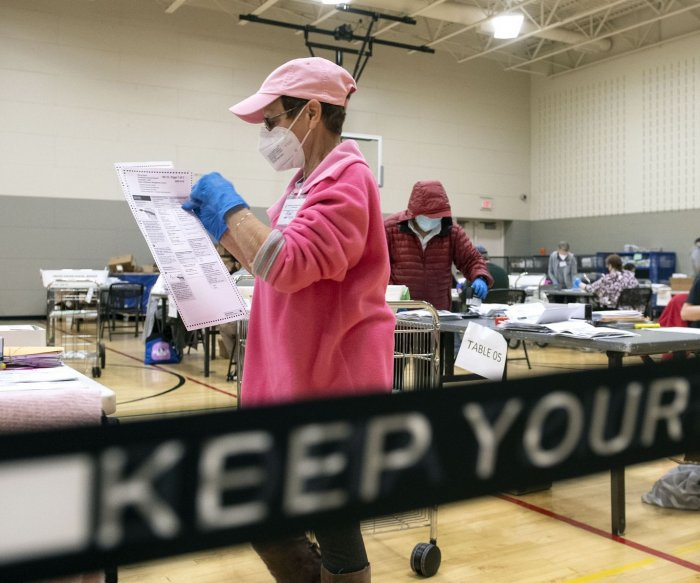 U.S. shatters record with almost 90K new cases in major COVID-19 spike