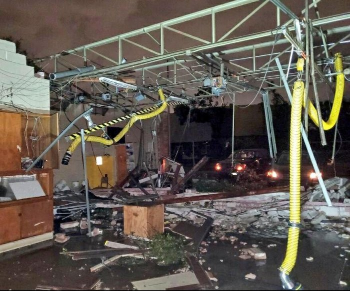 Tornado causes severe damage, power outages near Dallas