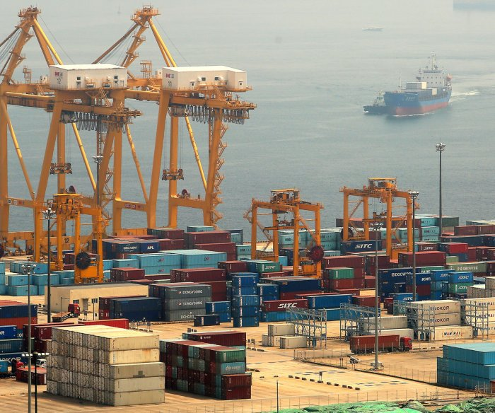 Experts: China tariffs have cost U.S. income $1.4B a month