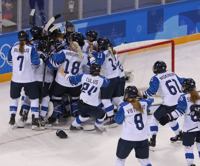 Finland upsets Russia for women's hockey bronze