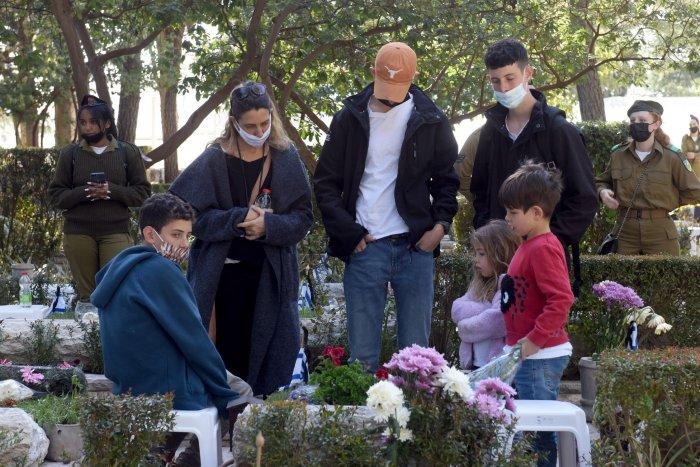 Israel observes Memorial Day