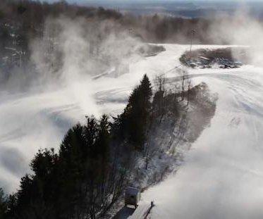Winter hits slopes as ski resorts take advantage of Arctic blasts