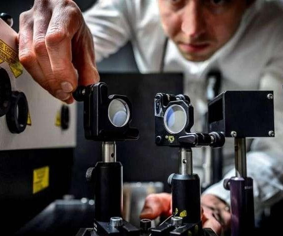 Scientists build world's fastest camera