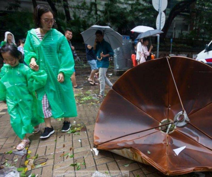 3 dead as Typhoon Hato hits Macau, Hong Kong