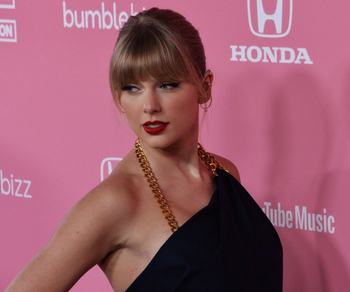 Taylor Swift discusses activism at Sundance documentary premiere