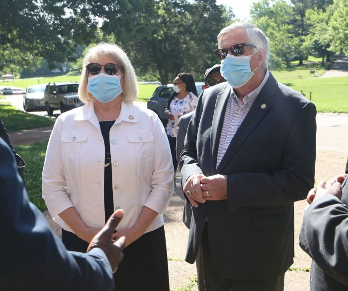 Missouri Gov. Mike Parson, wife Teresa Parson test positive for COVID-19