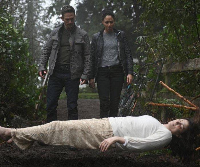 Alien 'Debris' exposes human drama, cast of NBC series says